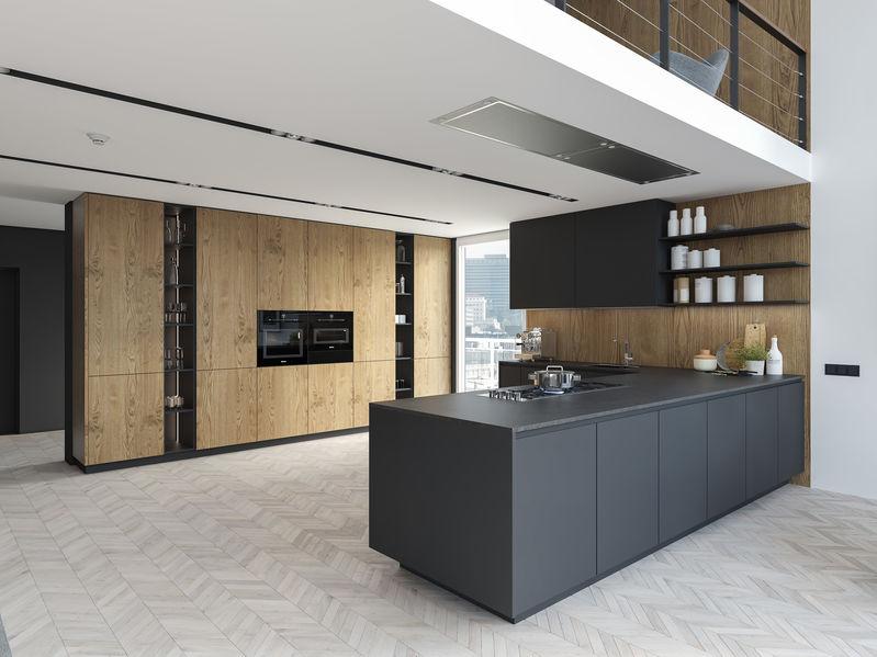Cucina moderna in legno naturale e corian nero