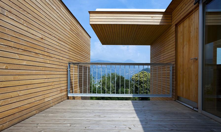 Pavimento per balcone: soluzioni con diversi materiali a confronto