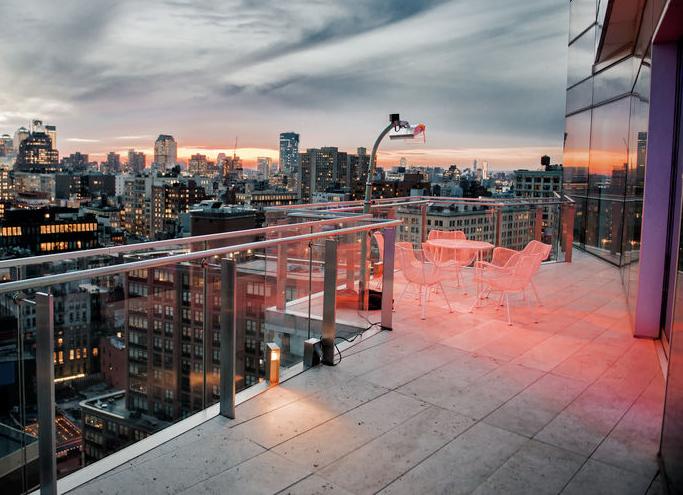 Pavimento per balcone: minimal in cemento