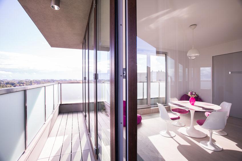 Pavimento per balcone: listoni in legno