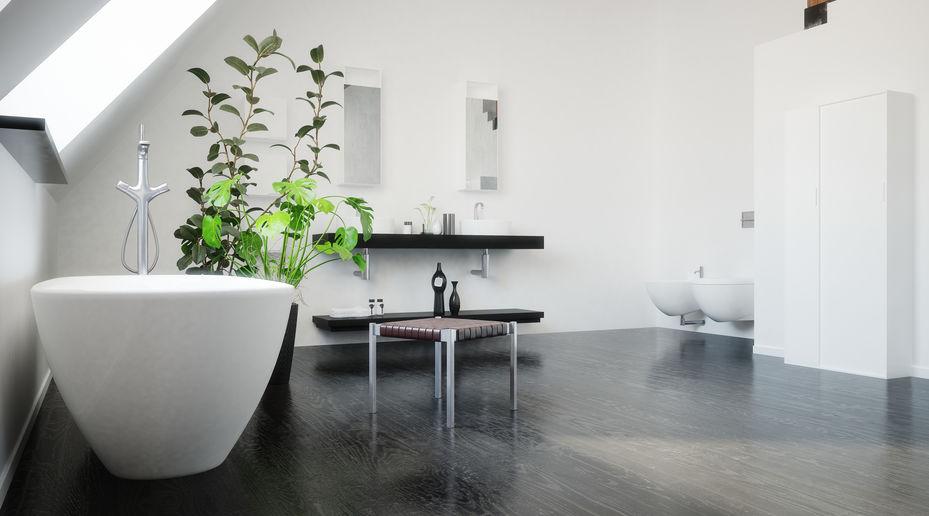 Bagno: piano e mensole in nero