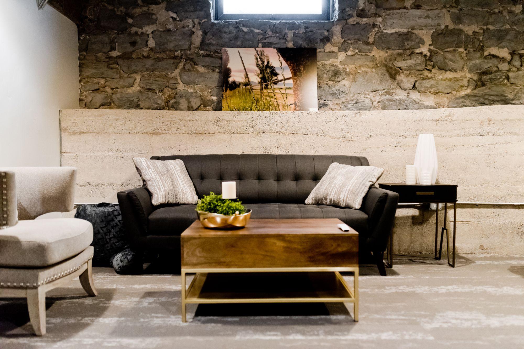 Decorare casa con pareti in pietra