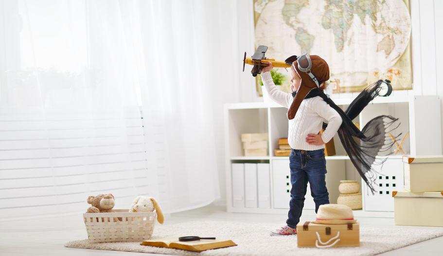 Una pratica consolle porta giochi nella camera del bambino
