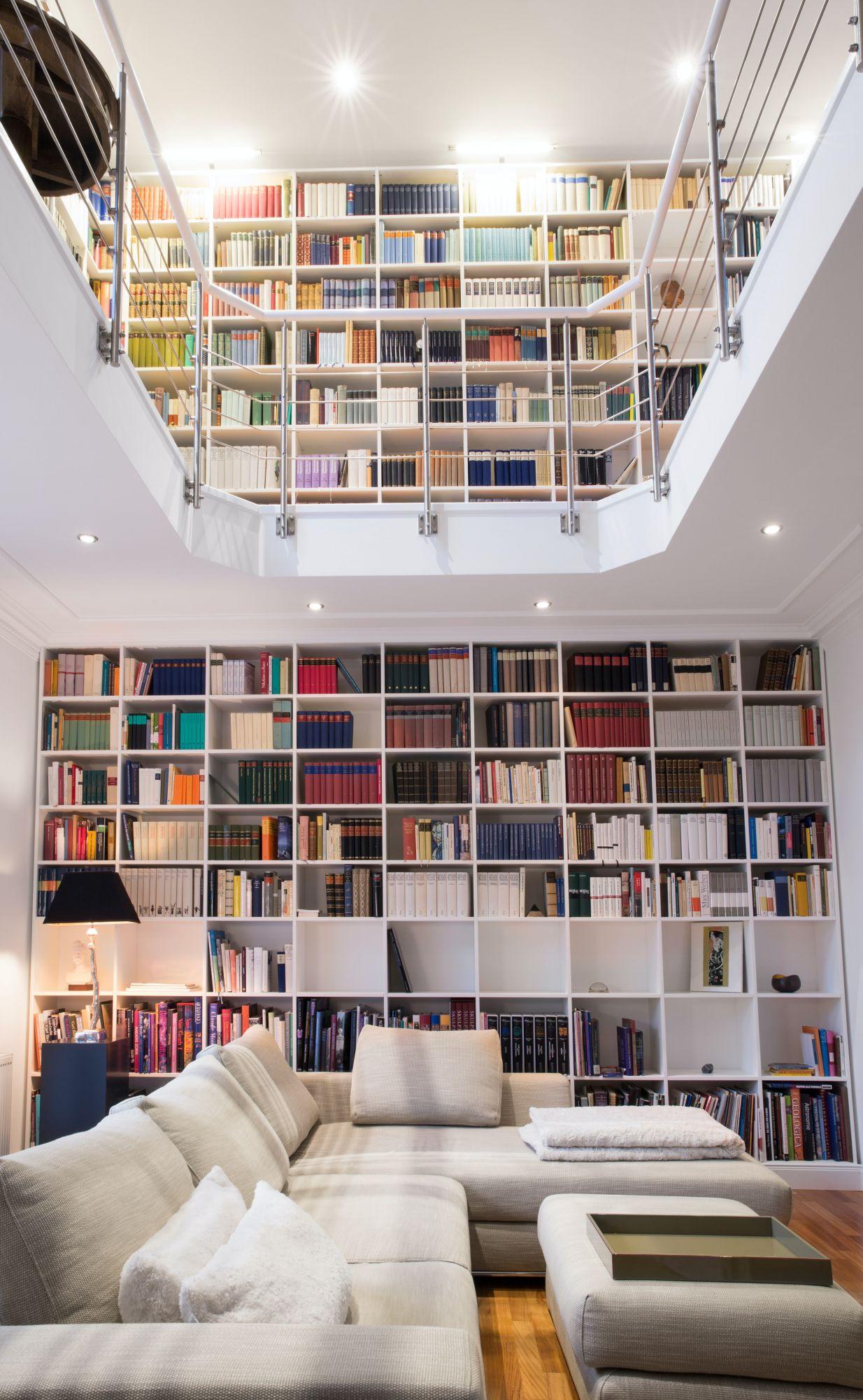 Libreria a tutt'altezza: in casa: a 360°