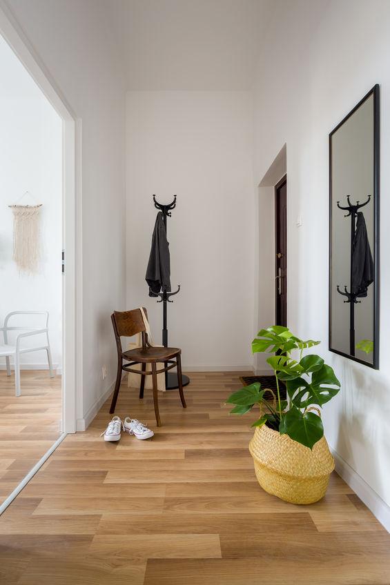 Corridoio: appendi specchi alle pareti