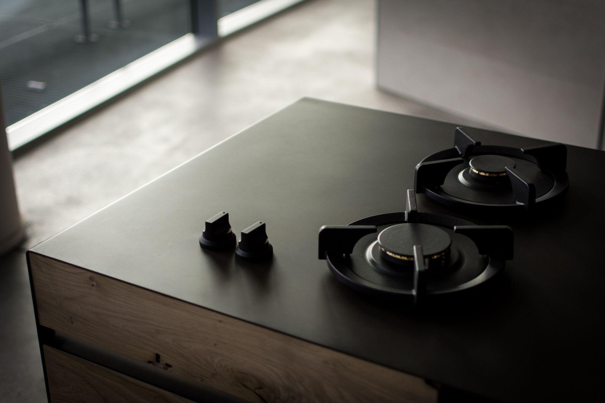 Piano cottura a gas in cucina: restyling e design