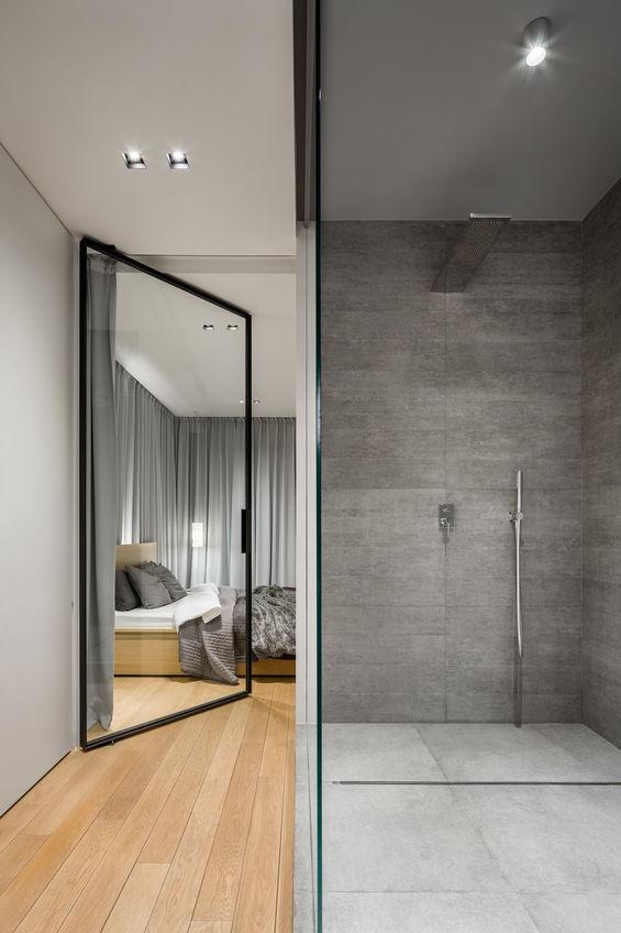Bagno di design con doccia assoluta padrona