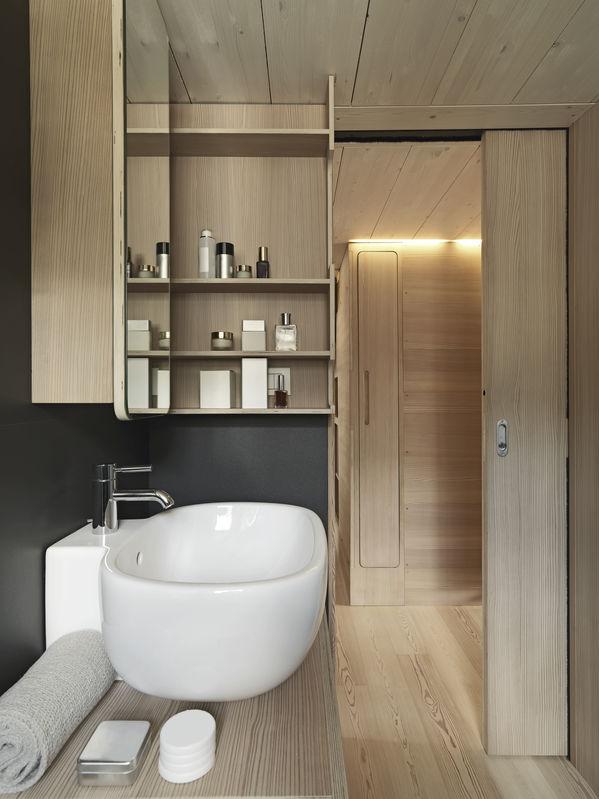 Casa chalet: un bagno bello e funzionale