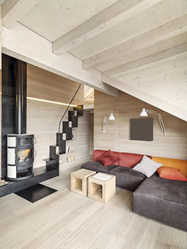 Casa chalet: soggiorno minimal ma confortevole