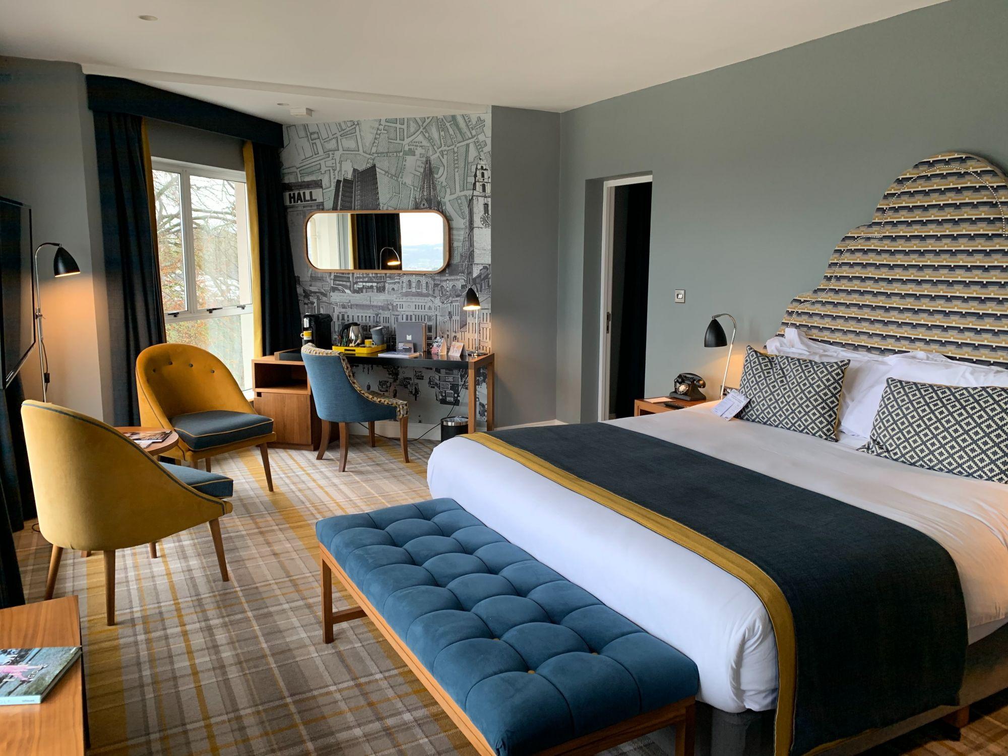Tartan in camera da letto: più fantasie per rivestire il pavimento