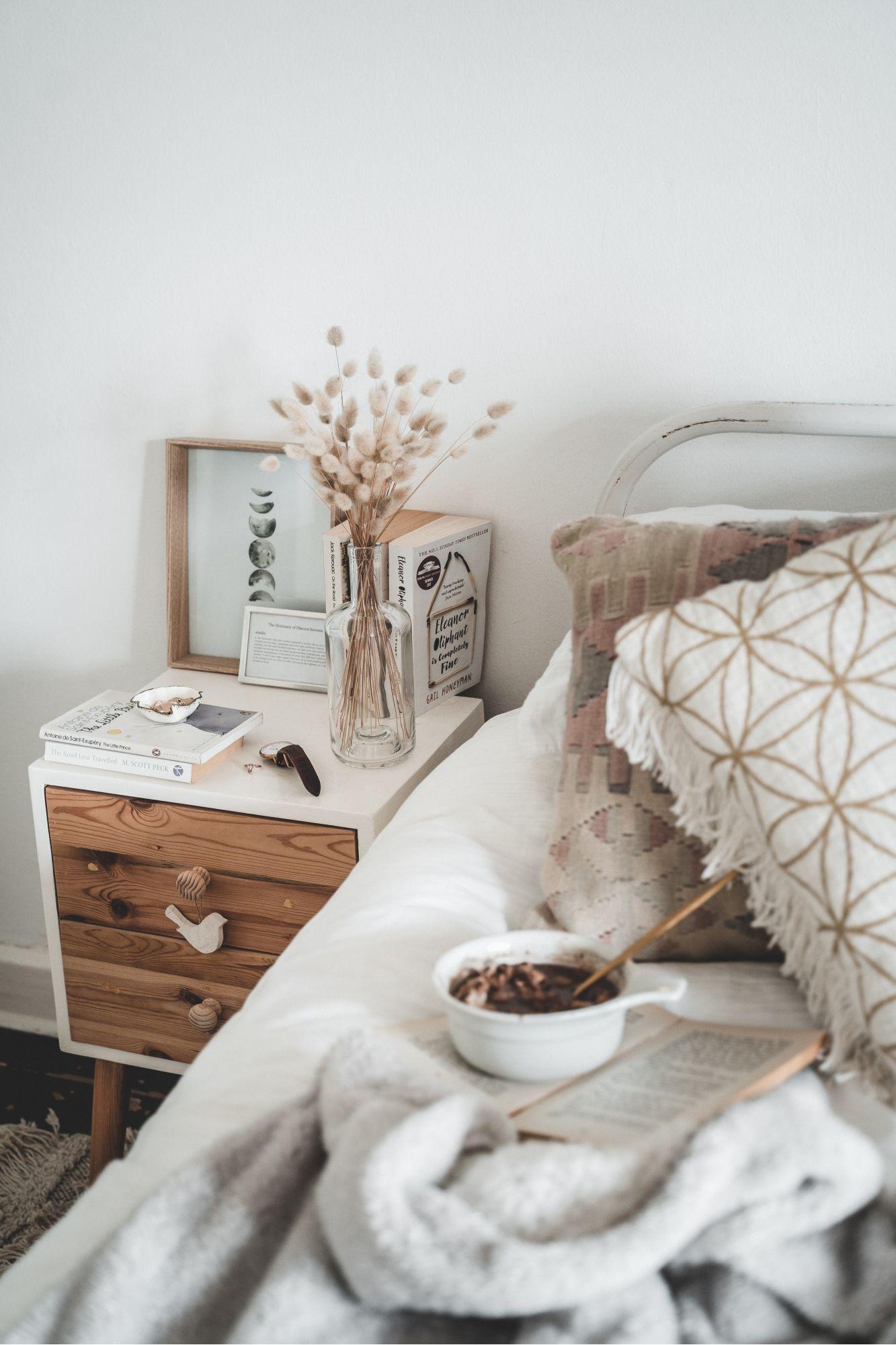 Stile scandi boho in camera da letto