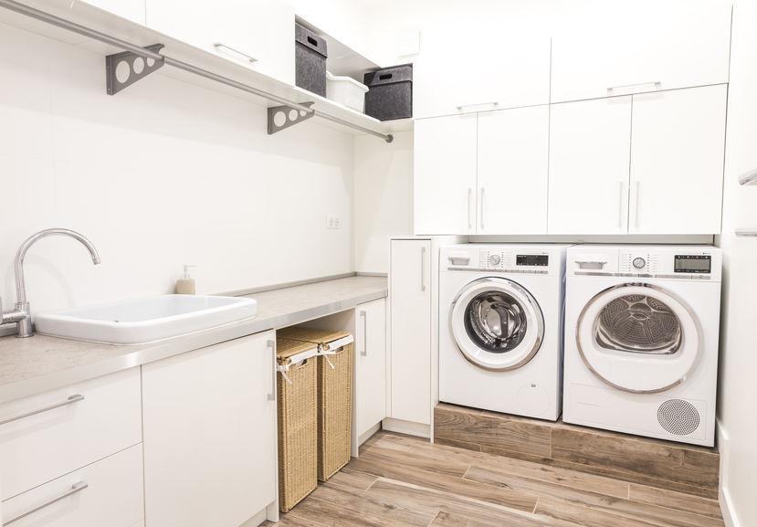Asciugatrice in bagno: inserimento sottopiano