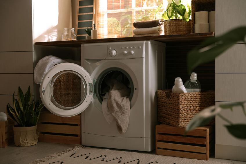 Più spazio in un bagno di design: asciugatrice combinata