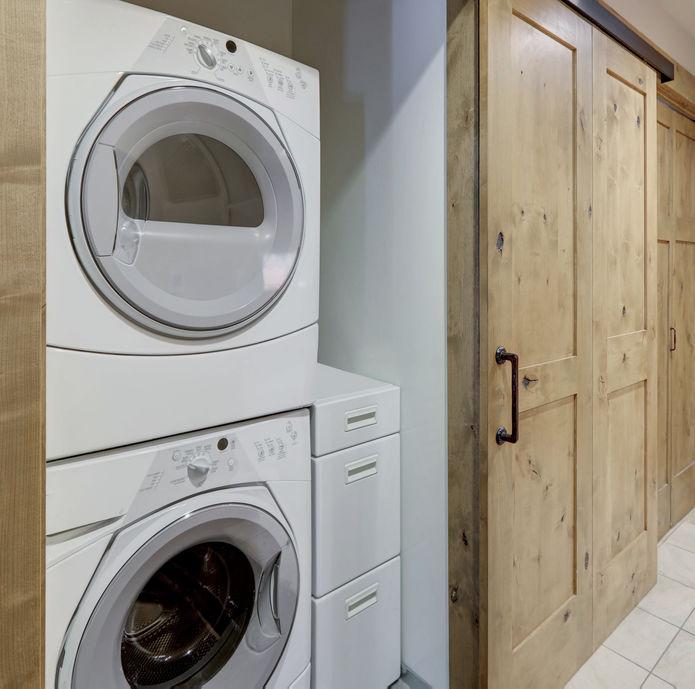 Asciugatrice in bagno: un elettrodomestico utile e funzionale