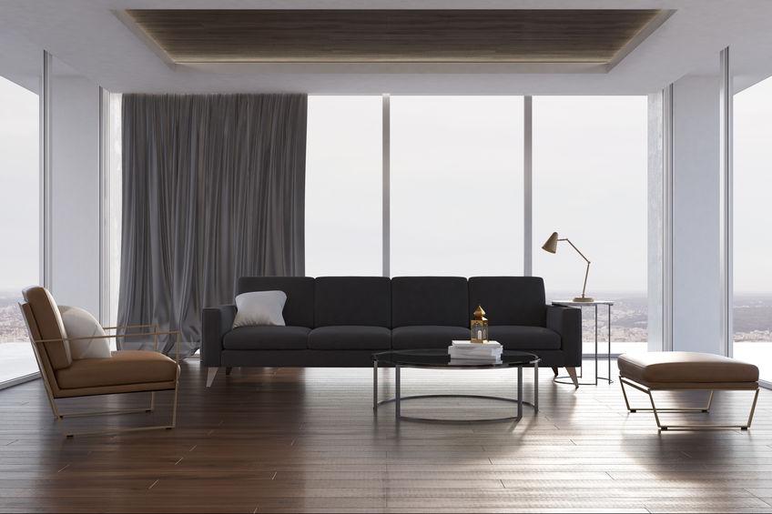 soggiorno moderno con soffitti alti