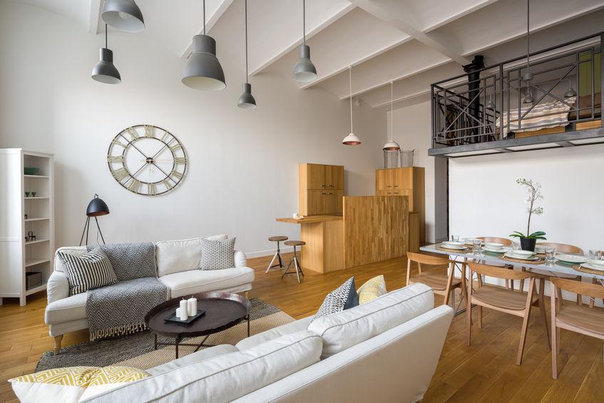 idee lampadari per soffitti alti