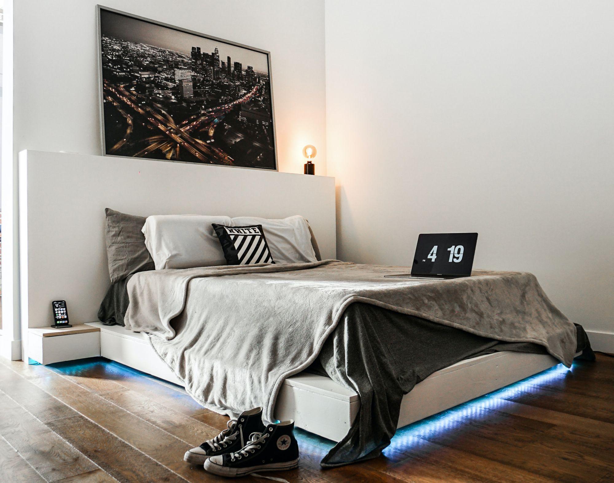 Soluzioni funzionali per una piccola camera da letto