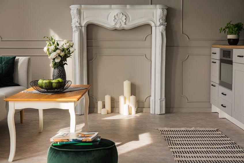 Camini finti: consigli per decorare gli ambienti di casa
