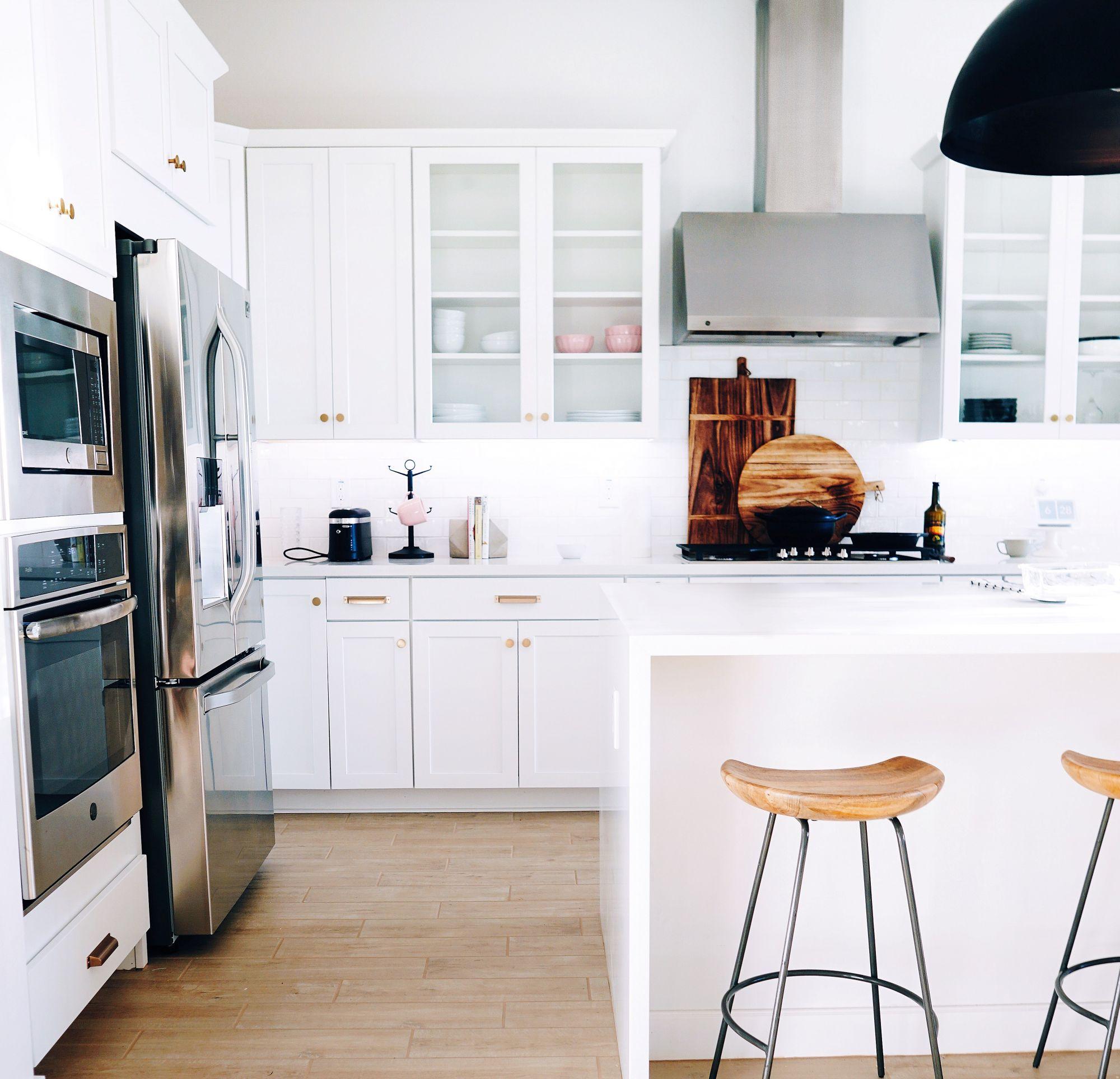 Cucina di stile: attuale in bianco etereo
