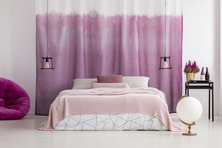 tessuto dietro il letto
