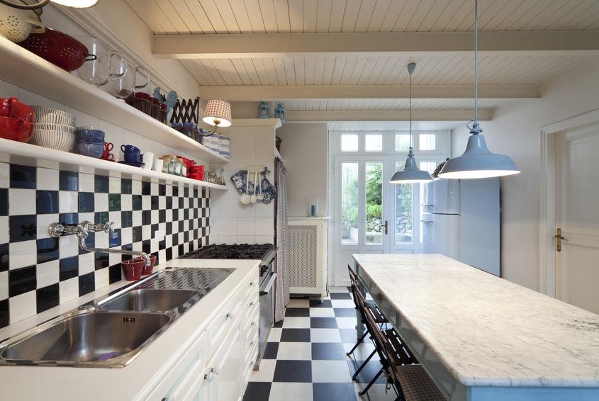 Elettrodomestici freestanding dal gusto retrò in cucina vintage