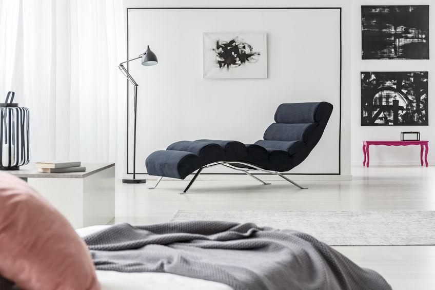 chaise longue in camera da letto