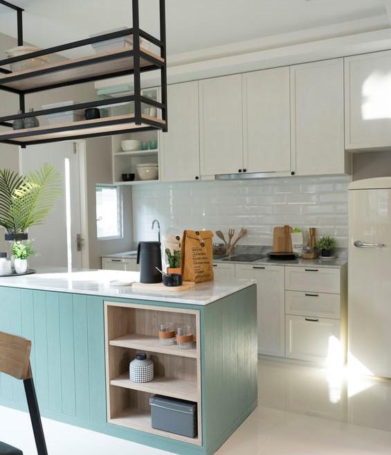 Paraschizzi in cucina: piastrelle 3D in bianco