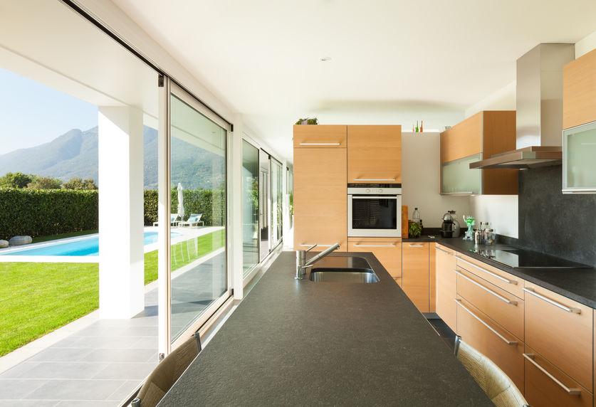 Tendenze casa: una cucina con vista giardino