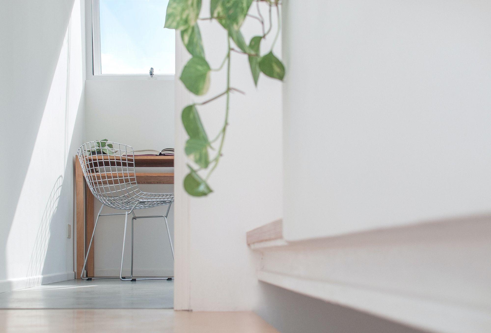 Arredare il corridoio con un angolo studio