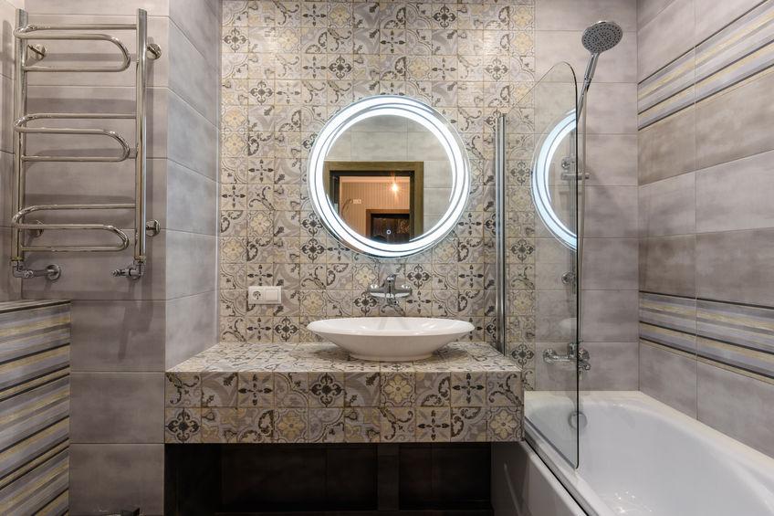 Bagno: specchio tondo retroilluminato
