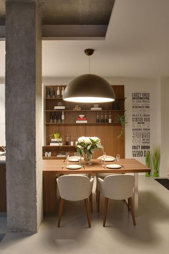 lampadario sul tavolo in cucina