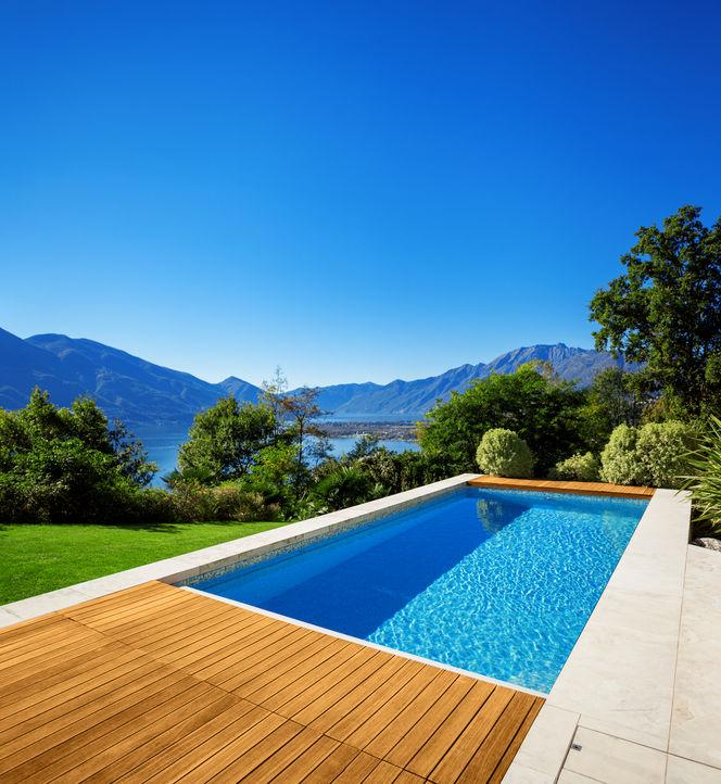 Rimuovere copertura piscina