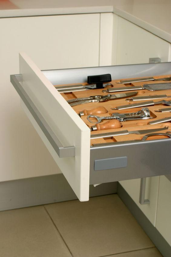 accessori per organizzare i cassetti in legno