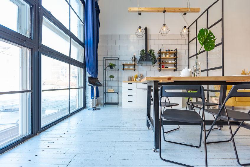 Pied-à-terre con open space, cucina e sala da pranzo