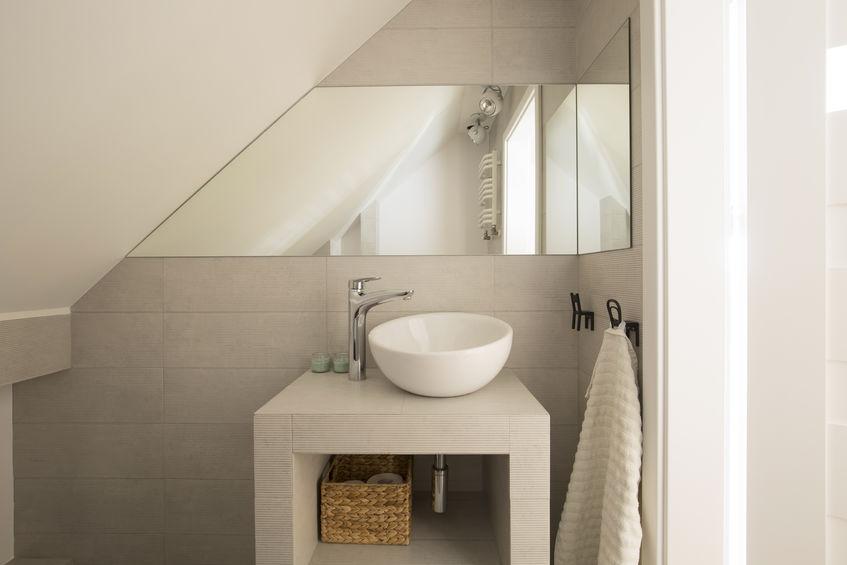 Pied-à-terre con bagno piccolo e funzionale