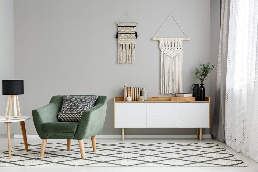 tappeto con decori geometrici