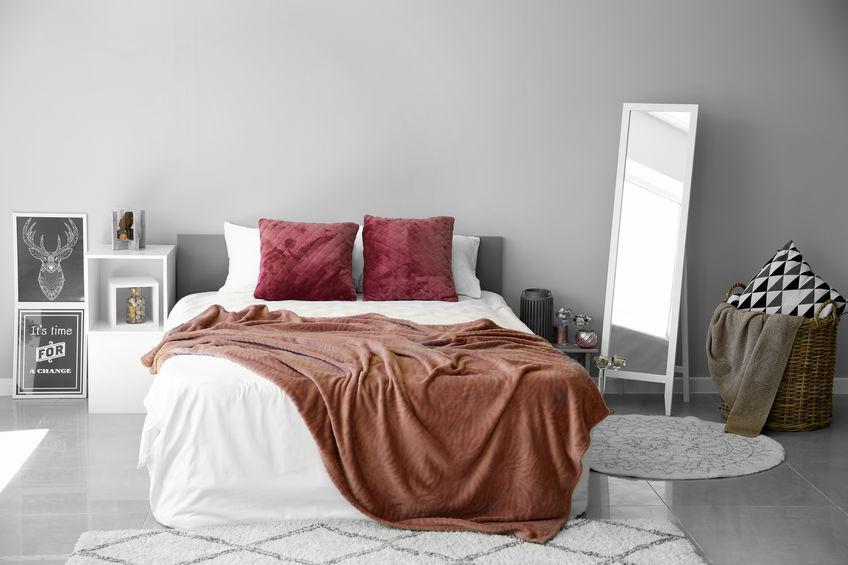 specchi freestanding per camera da letto