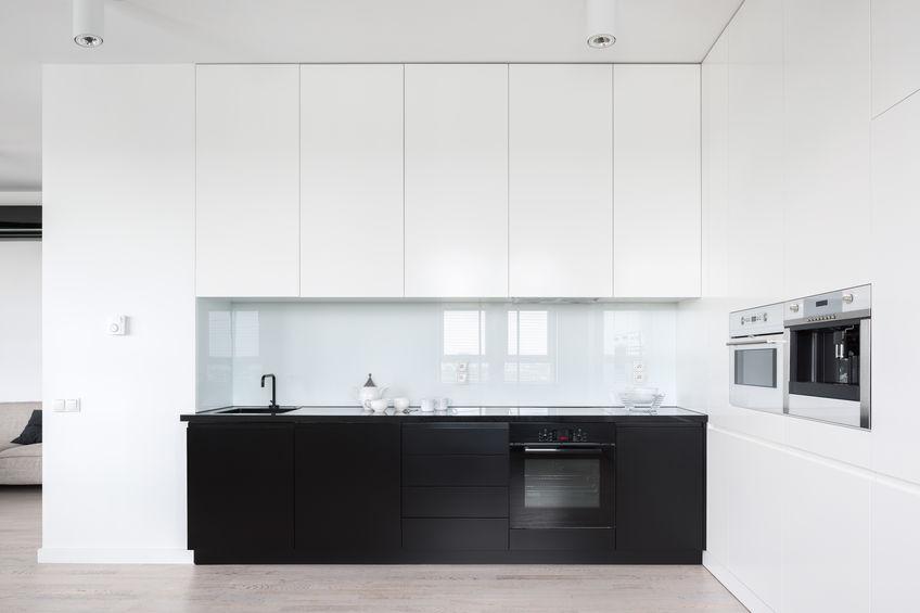 Vetro in cucina pe superfici trasparenti
