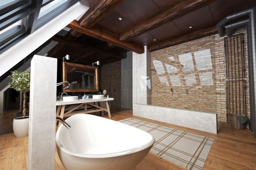 Bagno in stile loft: come illuminarlo