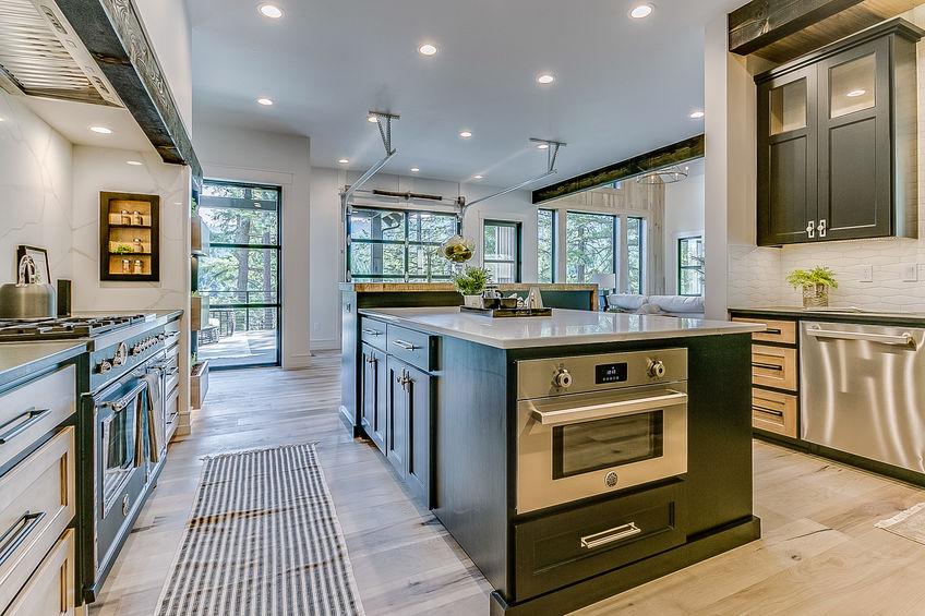 Come scegliere gli elettrodomestici in una cucina in stile farmhouse