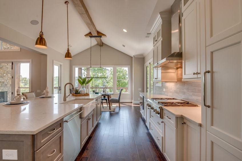 Farmhouse kitchen in legno
