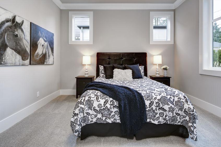 Materasso alto in camera da letto