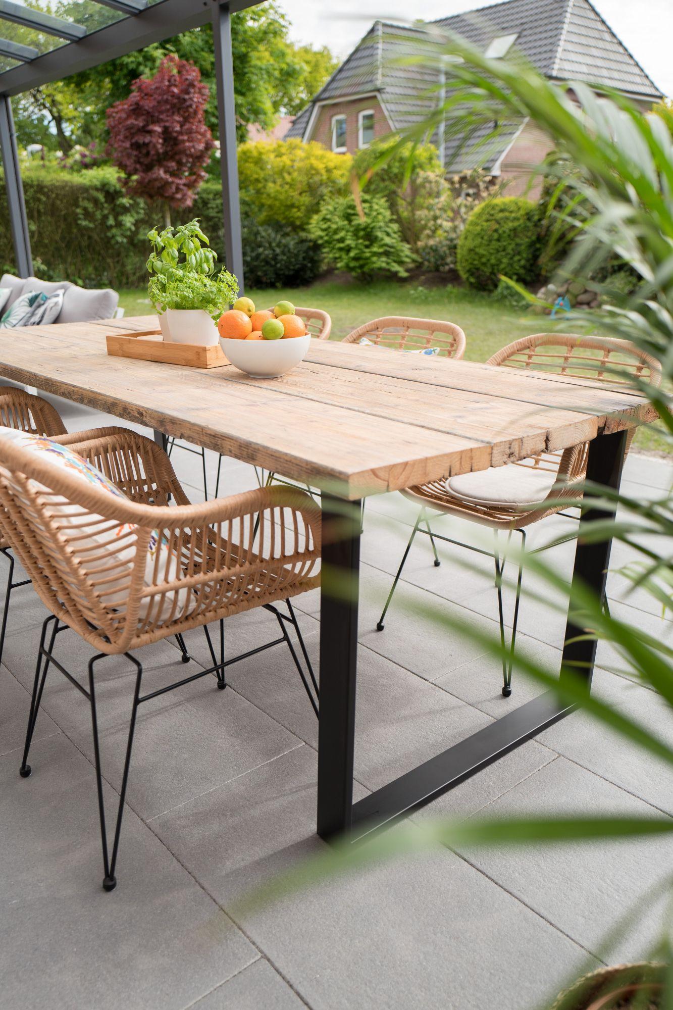 tavolo da pranzo per esterni: idee e materiali