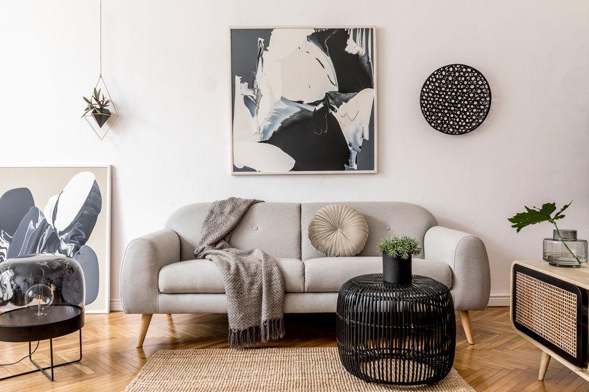 Arredare la parete del divano nella zona giorno