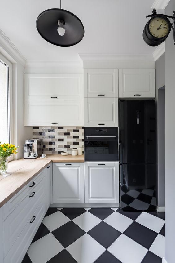 Elettrodomestici in nero: frigorifero freestanding vintage