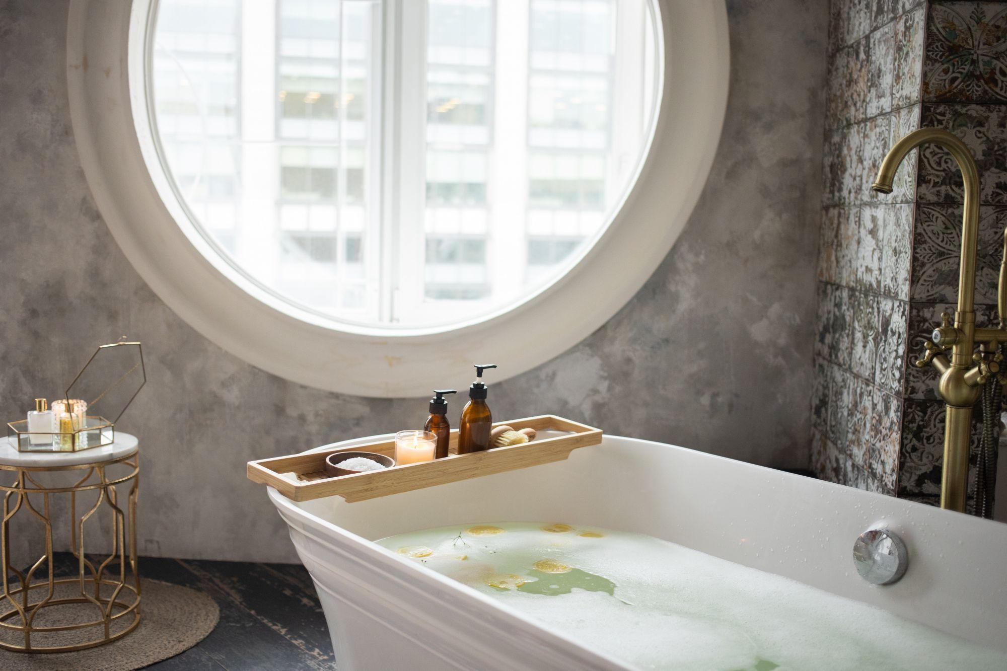 8 accessori per il bagno che non devono mancare