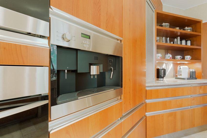 Accessori in cucina: macchina del caffè integrata